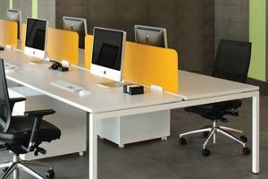 4 seater Workstation with Magnetic Glass Partition